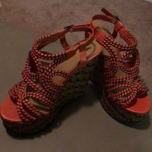 Mossimo wedge heel. Dark Brown and Orange. 8 1/2.